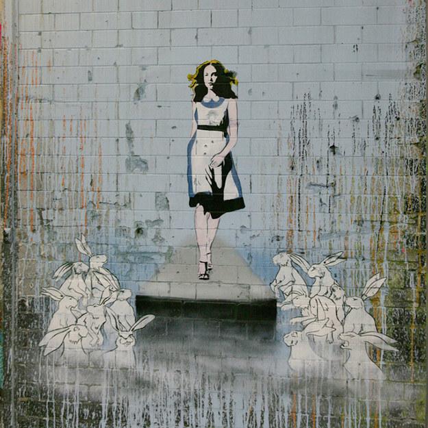alice_no_pais_das_maravilhas_street_art